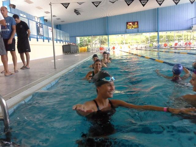 La piscina ragazze subito in acqua a casate guarda le - Piscine usate subito it ...
